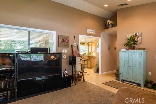 3602 Saturn Avenue, Palmdale CA: http://media.crmls.org/mediascn/dd182532-96bc-4e67-b385-55e6acd42368.jpg