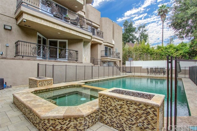 Single Family Home for Rent at 2820 Kennington Drive 2820 Kennington Drive Glendale, California 91206 United States