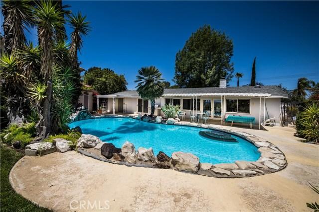 5814 Mcdonie Avenue, Woodland Hills CA: http://media.crmls.org/mediascn/dd2db466-2106-4793-8db5-c2eed646a6ee.jpg