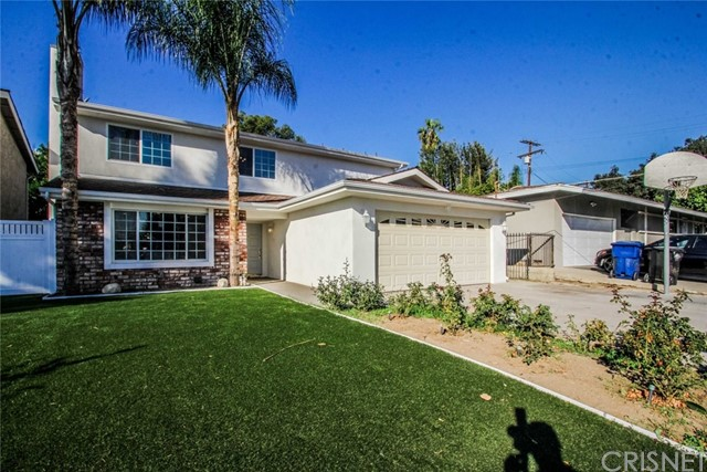 Single Family Home for Sale at 5801 Agnes Avenue 5801 Agnes Avenue Valley Glen, California 91607 United States