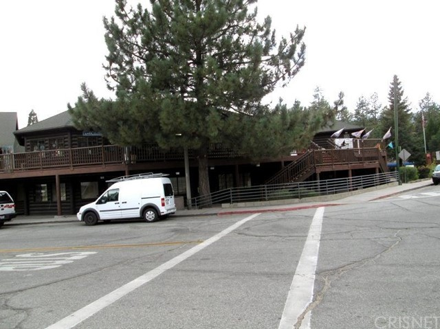 Retail for Sale at 54225 North Circle Drive Unit 18 54225 North Circle Drive Idyllwild, California 92549 United States
