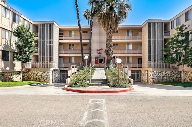 6979 Palm Court, Riverside CA: http://media.crmls.org/mediascn/dd57ad80-03ff-4343-bdf1-4b5f9dace515.jpg
