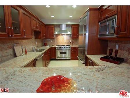 11911 Mayfield Avenue, Los Angeles CA: http://media.crmls.org/mediascn/dd6fbbb0-772b-4f43-8bde-52760f1228d5.jpg