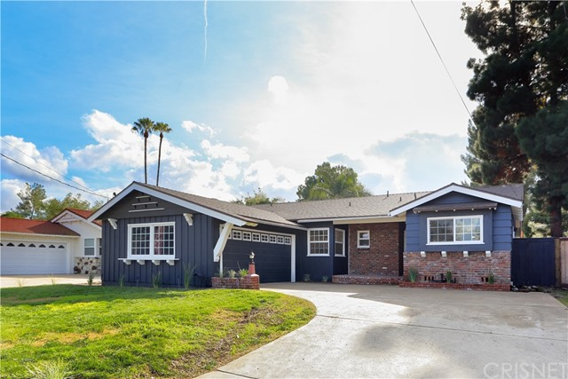 Photo of 23240 Mariano Street, Woodland Hills, CA 91367
