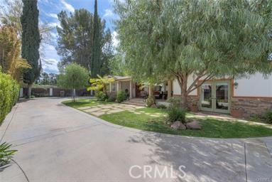 22832 Collins Street  Woodland Hills CA 91367