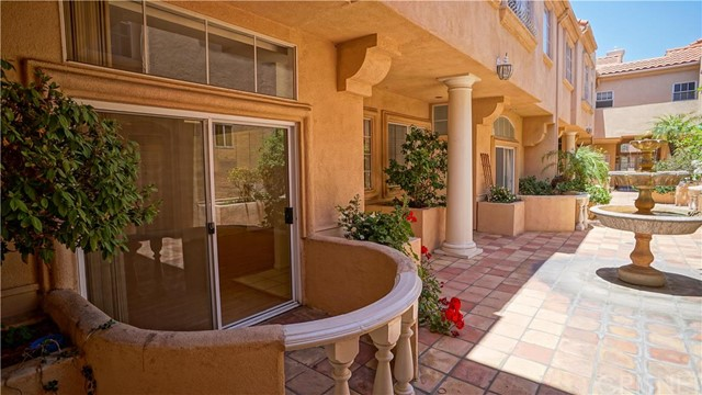 Property for sale at 11112 La Maida Street #11, North Hollywood,  CA 91601
