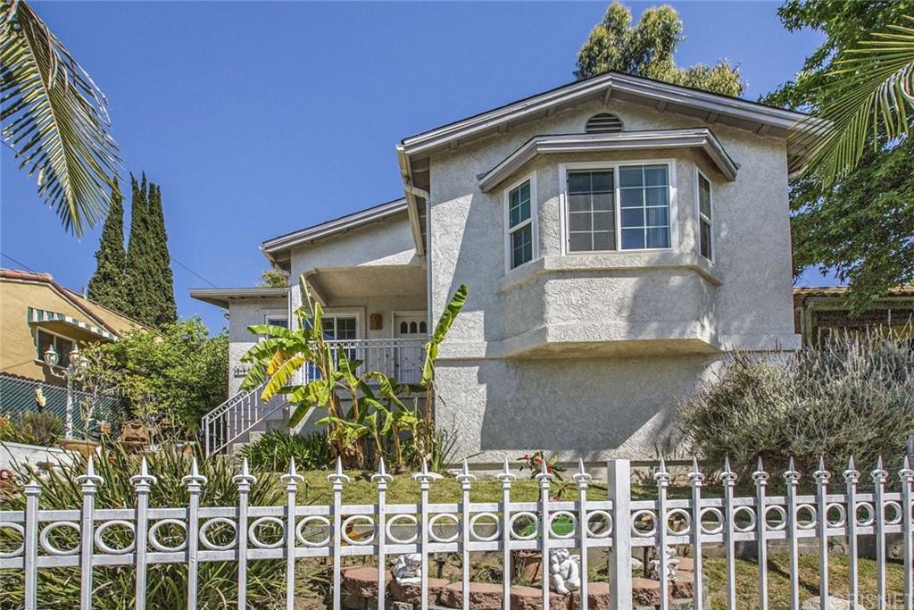 949 Dexter Street, Highland Park, CA 90042