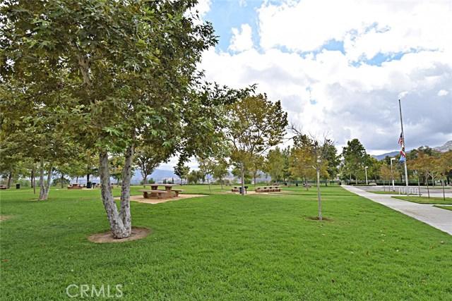 25226 Gloriso Lane, Stevenson Ranch CA: http://media.crmls.org/mediascn/ddffa0e0-95cc-441e-af61-41d8a76545c9.jpg