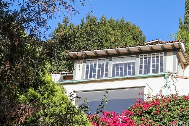 2032 N Las Palmas Avenue, Los Angeles CA 90068
