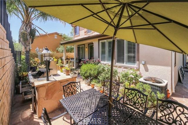 25226 Gloriso Lane, Stevenson Ranch CA: http://media.crmls.org/mediascn/de3b8feb-e134-43aa-b136-904695a68193.jpg