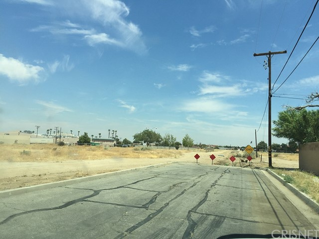 3 Street East and Palmdale Boulevard, Palmdale CA: http://media.crmls.org/mediascn/de4565cc-3669-4851-bb55-6928cd2a6ab6.jpg
