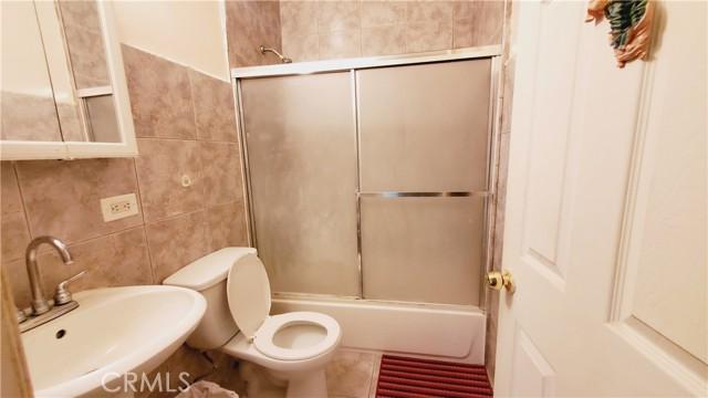 11154 Archwood Street, North Hollywood CA: http://media.crmls.org/mediascn/deb95d78-46f0-4d60-a198-4ba3ad465655.jpg
