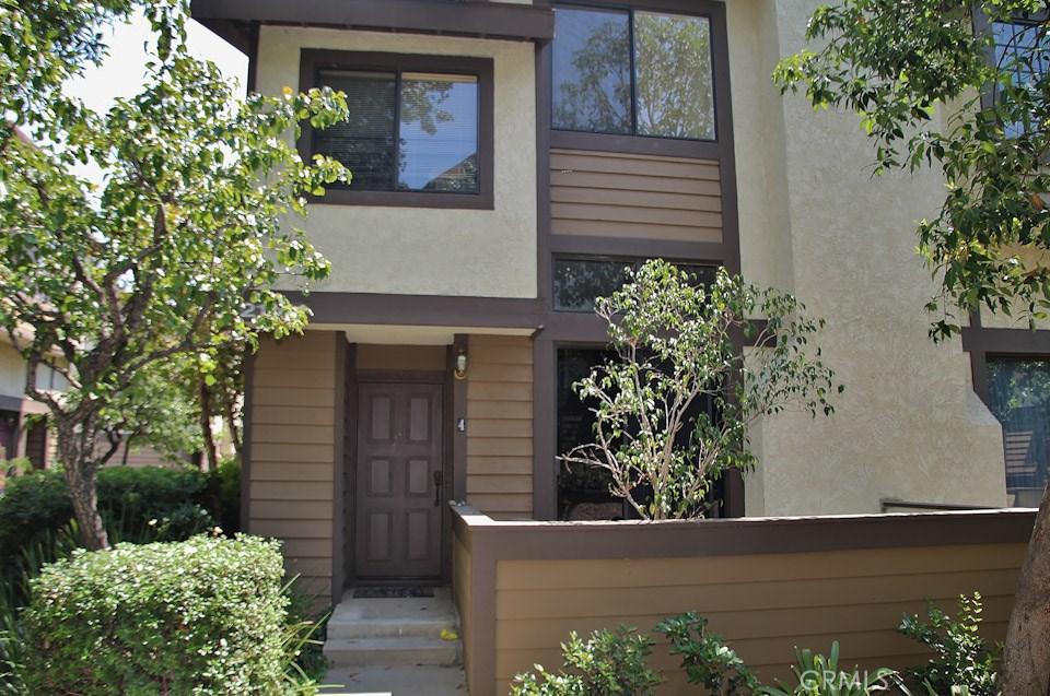 21141 LASSEN Street 4, Chatsworth, CA 91311