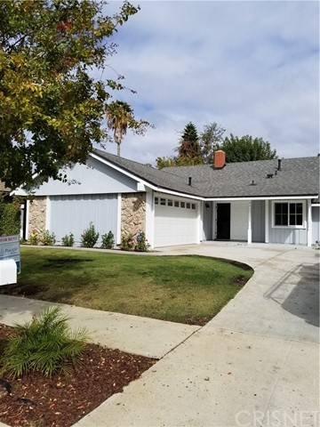 Single Family Home for Rent at 120 Satinwood Avenue 120 Satinwood Avenue Oak Park, California 91377 United States