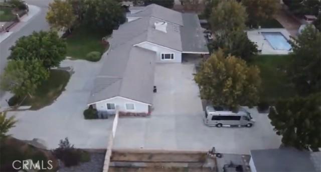 42411 27th W Street, Lancaster CA: http://media.crmls.org/mediascn/ded1de34-cb86-412b-9ead-7977819fd746.jpg