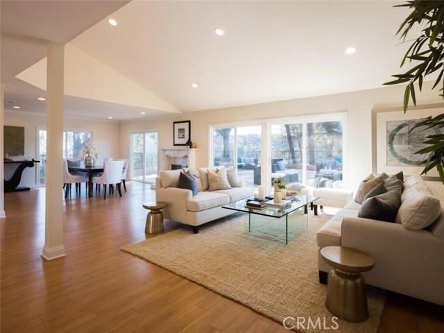 15045 Sherview Place, Sherman Oaks CA: http://media.crmls.org/mediascn/dee18eff-e86b-4ab8-a6d2-2fbd3b143b25.jpg