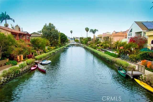 214 Sherman Canal, Venice CA: http://media.crmls.org/mediascn/df0e7d09-84d0-41e9-b0af-a9793f3e67b3.jpg