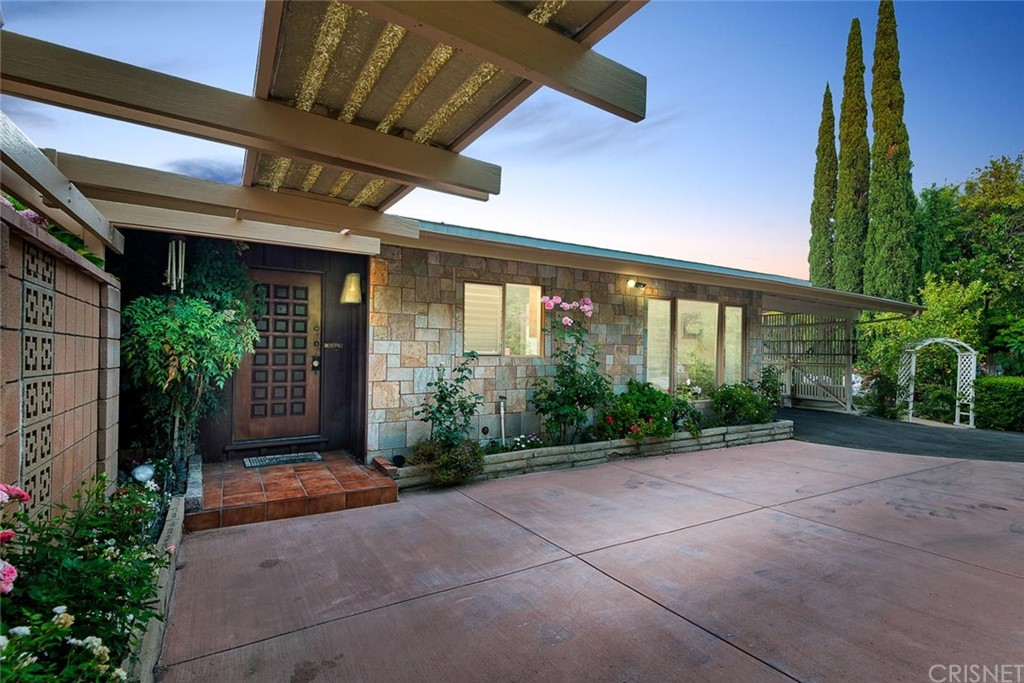 Photo of 3437 OAK GLEN DRIVE, Hollywood Hills, CA 90068