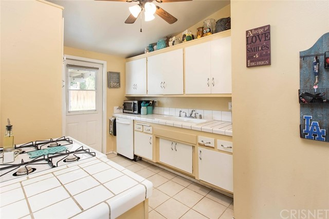 19334 Cedarcreek Street Canyon Country, CA 91351 - MLS #: SR18174070