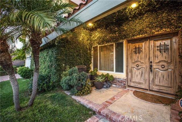 4486 Winnetka Avenue, Woodland Hills CA: http://media.crmls.org/mediascn/df8930d4-afad-4f8e-b444-8ecaff2caa36.jpg