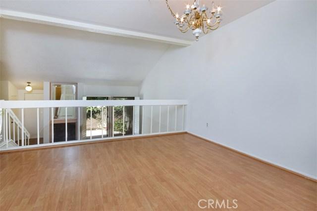 6221 1/2 Nita Avenue, Woodland Hills CA: http://media.crmls.org/mediascn/dfa6a167-3e82-48d5-9a31-8557456f96da.jpg