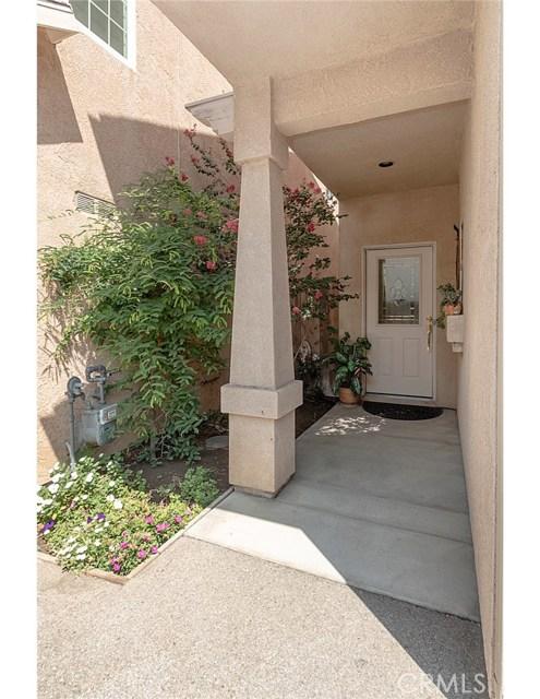 15735 Wyandotte Street, Van Nuys CA: http://media.crmls.org/mediascn/dfd1333c-cc84-440d-9403-7663c3ac1332.jpg