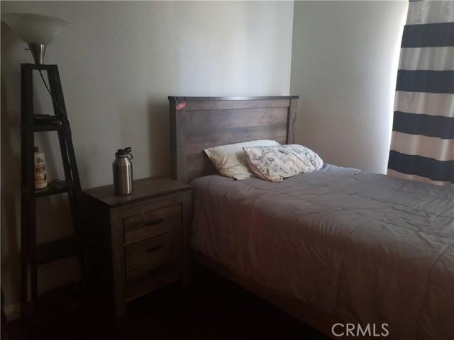 429 E Avenue J7, Lancaster CA: http://media.crmls.org/mediascn/e009a4f5-865c-473e-b848-ae57ddd8c99e.jpg