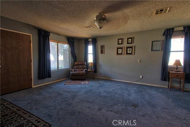 1101 Hernandez Drive Palmdale, CA 93551 - MLS #: SR18255392