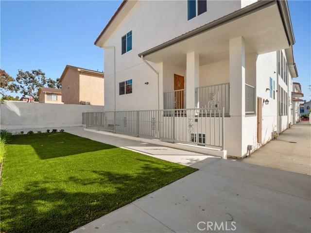 329 E Hazel Street, Inglewood CA: http://media.crmls.org/mediascn/e0a00345-b484-40fa-a0b5-b358c657aa9b.jpg