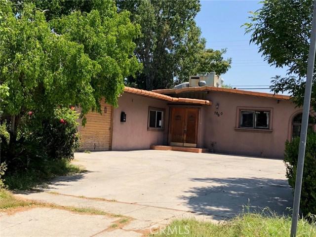 7800 Geyser Avenue, Reseda CA: http://media.crmls.org/mediascn/e0b55ddb-4ed3-45db-8a53-8715c57fc358.jpg