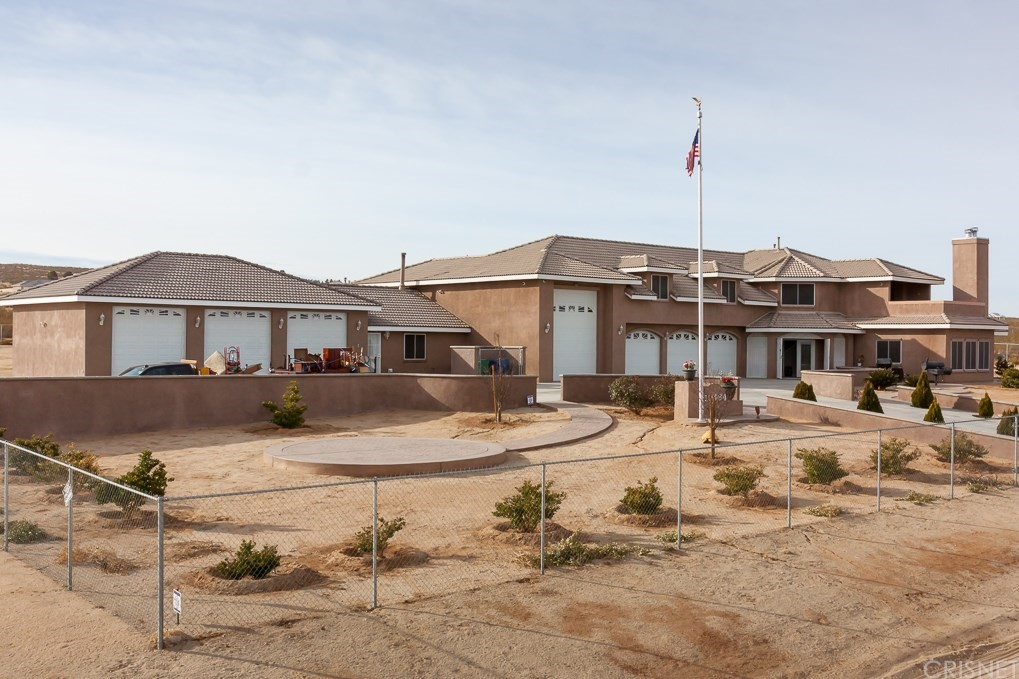 10464 FOOTHILL ROAD, CALIFORNIA CITY, CA 93505  Photo 2