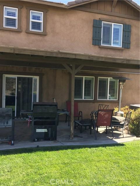 38127 Versailles Street, Palmdale CA: http://media.crmls.org/mediascn/e0cc8803-81f6-4020-b297-40040dd5a99f.jpg
