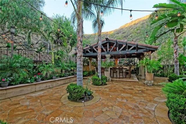 1175 San Clemente Way, Camarillo CA: http://media.crmls.org/mediascn/e0d5c039-d173-4da6-a5f2-e058db93a07a.jpg