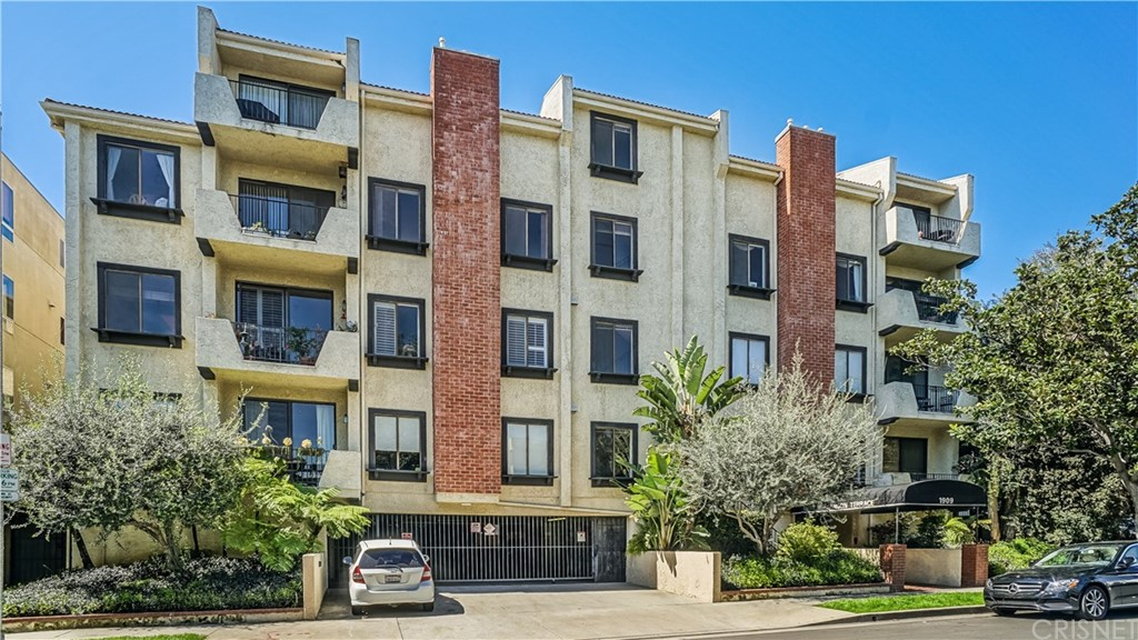 Property for sale at 1909 Glendon Avenue #103, Westwood - Century City,  CA 90025