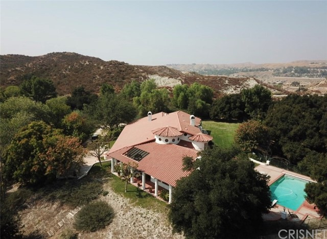 Photo of 16515 Valley Ranch Road, Canyon Country, CA 91387