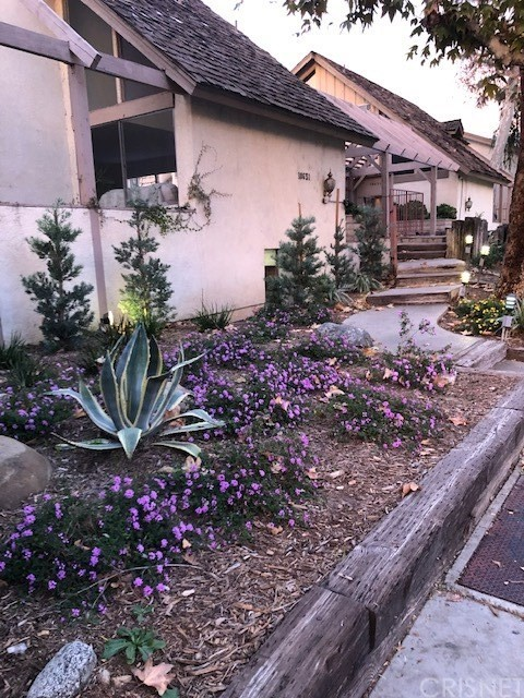 18631 Collins Street, 28, Tarzana, CA 91356