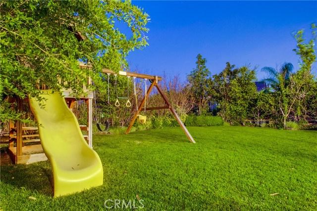 20755 Bergamo Way, Porter Ranch CA: http://media.crmls.org/mediascn/e17c7110-698b-4f7d-b188-41fd434cab8c.jpg
