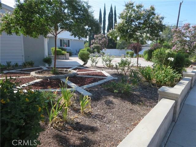 10836 Chimineas Avenue, Porter Ranch CA: http://media.crmls.org/mediascn/e18082dc-214c-436d-a849-57eb90760bd3.jpg