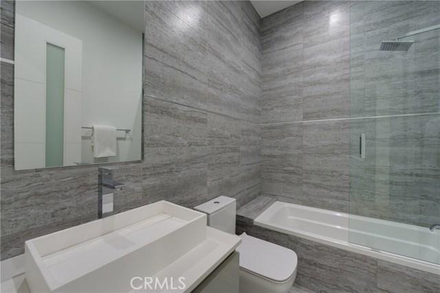 823 N Mansfield Avenue, Hollywood CA: http://media.crmls.org/mediascn/e18e1528-58c6-462d-a22a-ec237242d3b7.jpg