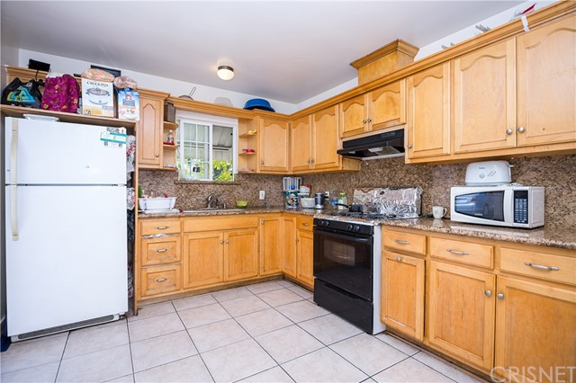 11345 Hatteras Street, North Hollywood CA: http://media.crmls.org/mediascn/e1e54ab5-bcd5-4bea-9639-299ecde50587.jpg