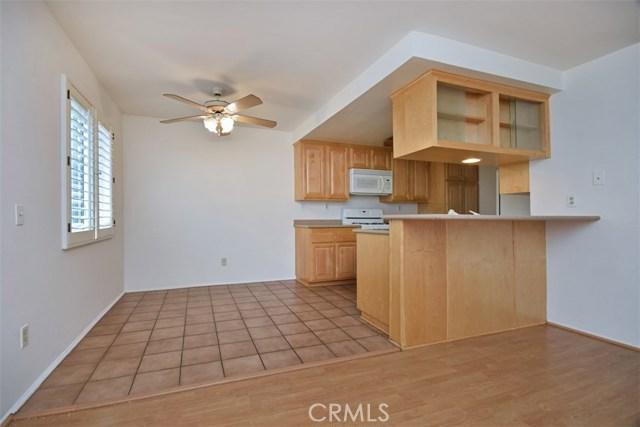 6221 1/2 Nita Avenue, Woodland Hills CA: http://media.crmls.org/mediascn/e1ff5151-a5a7-42d0-bc1d-85db594e37a1.jpg