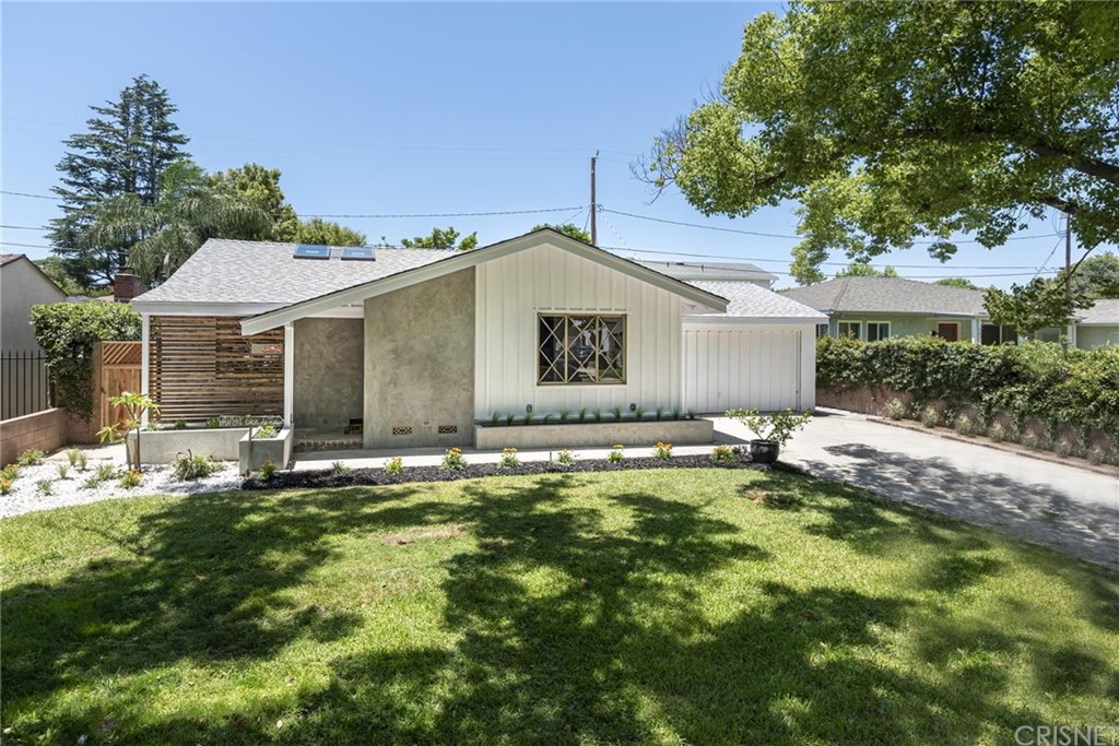 Photo of 639 NORTH PRISCILLA LANE, Burbank, CA 91505