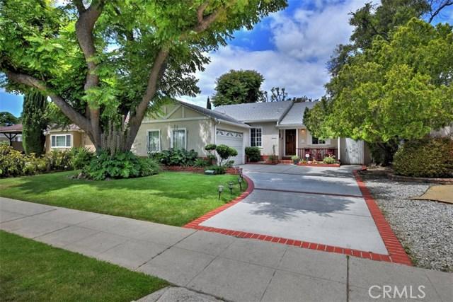 5825 Lemona Avenue, Sherman Oaks CA: http://media.crmls.org/mediascn/e29eb9ad-ec60-4a4e-a6aa-29f190031196.jpg