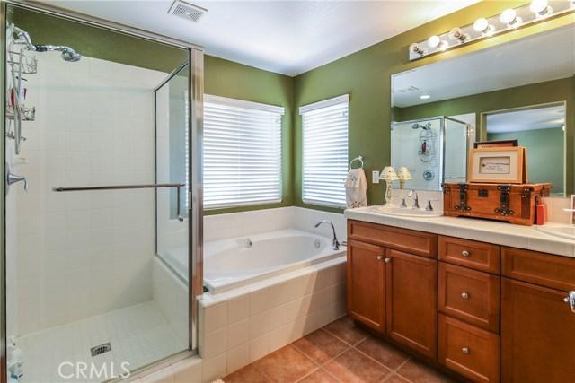 25226 Gloriso Lane, Stevenson Ranch CA: http://media.crmls.org/mediascn/e3795bed-7610-48c5-8ad8-3e4ec6e6509f.jpg