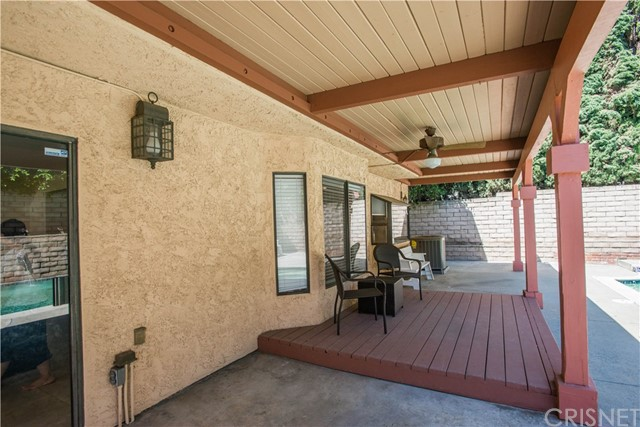 20253 Elkwood Street Winnetka, CA 91306 - MLS #: SR17102495