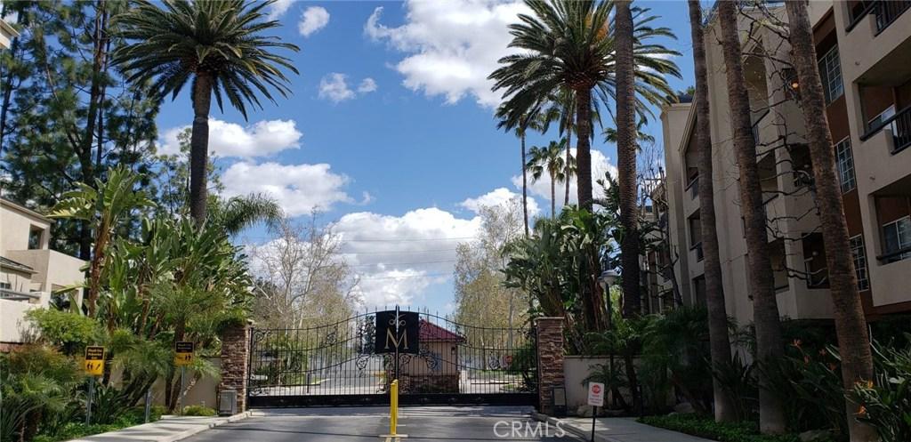 Photo of 21450 BURBANK #208, Woodland Hills, CA 91367