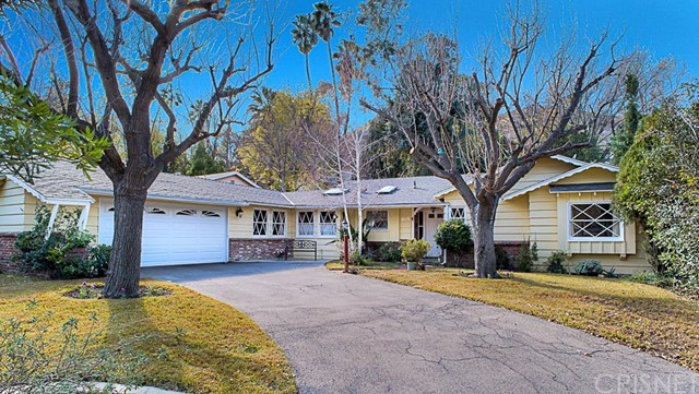 4835 Excelente Drive, Woodland Hills CA 91364