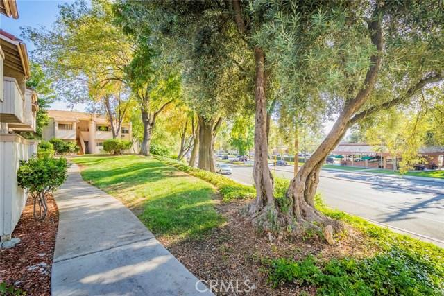 5800 Kanan Road, Agoura Hills CA: http://media.crmls.org/mediascn/e472e2ed-47c1-41d0-8a10-f4540784555c.jpg