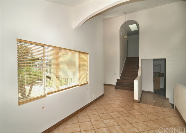 703 San Doval Place, Thousand Oaks CA: http://media.crmls.org/mediascn/e48ece6a-c8cd-4473-b1a0-6a9fbae04aec.jpg