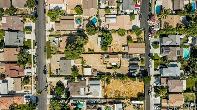 18320 Arminta Street, Reseda CA: http://media.crmls.org/mediascn/e49d008f-8010-441c-b10c-47afffe32514.jpg